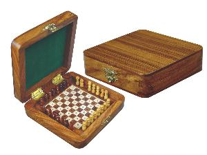 "Wooden Pegged Chess Set with Extra Standing Space for Pegs in Golden Rosewood/Maple 5""x5"""