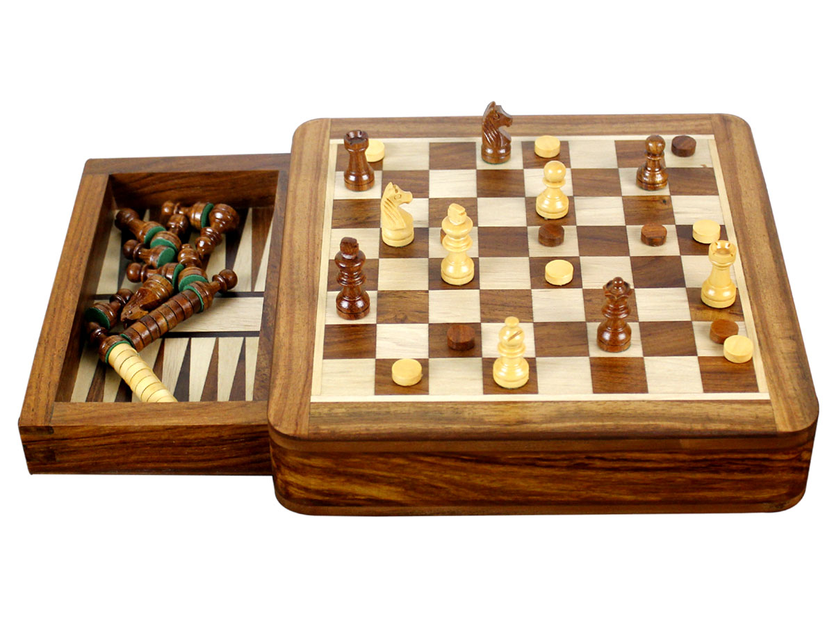 Side view of chess set backgammon combo magnetic