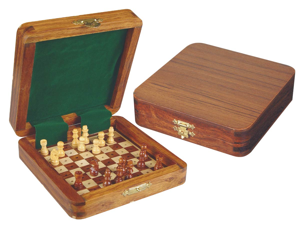 "Pocket Pegged Chess Set Wooden Board Inside Golden Rosewood/Maple 5""x5"""