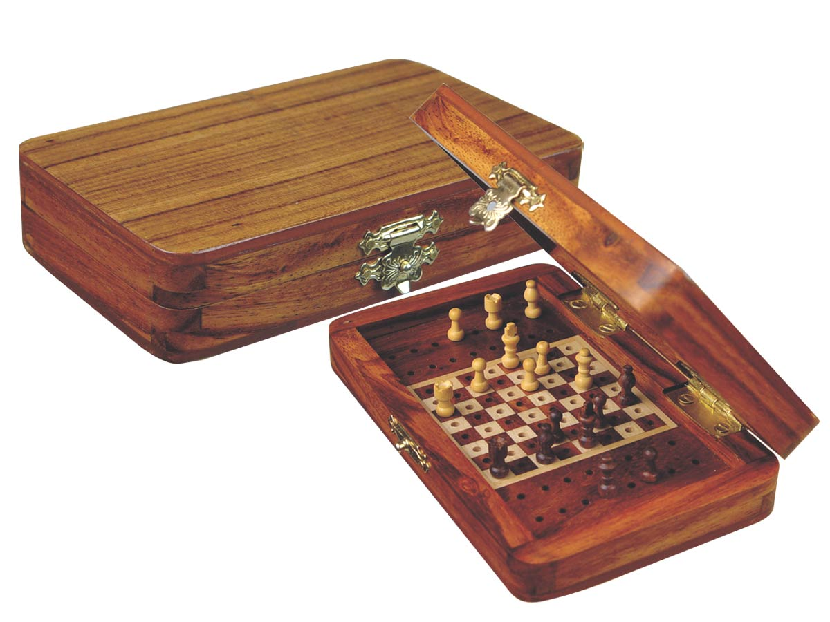 "Pegged Chess Set with Extra Pegs Standing Space Golden Rosewood/Maple 5""x3"""