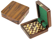 "Square Board Inside Magnetic Chess Set 5""x5"" and Pieces Golden Rosewood/Maple"