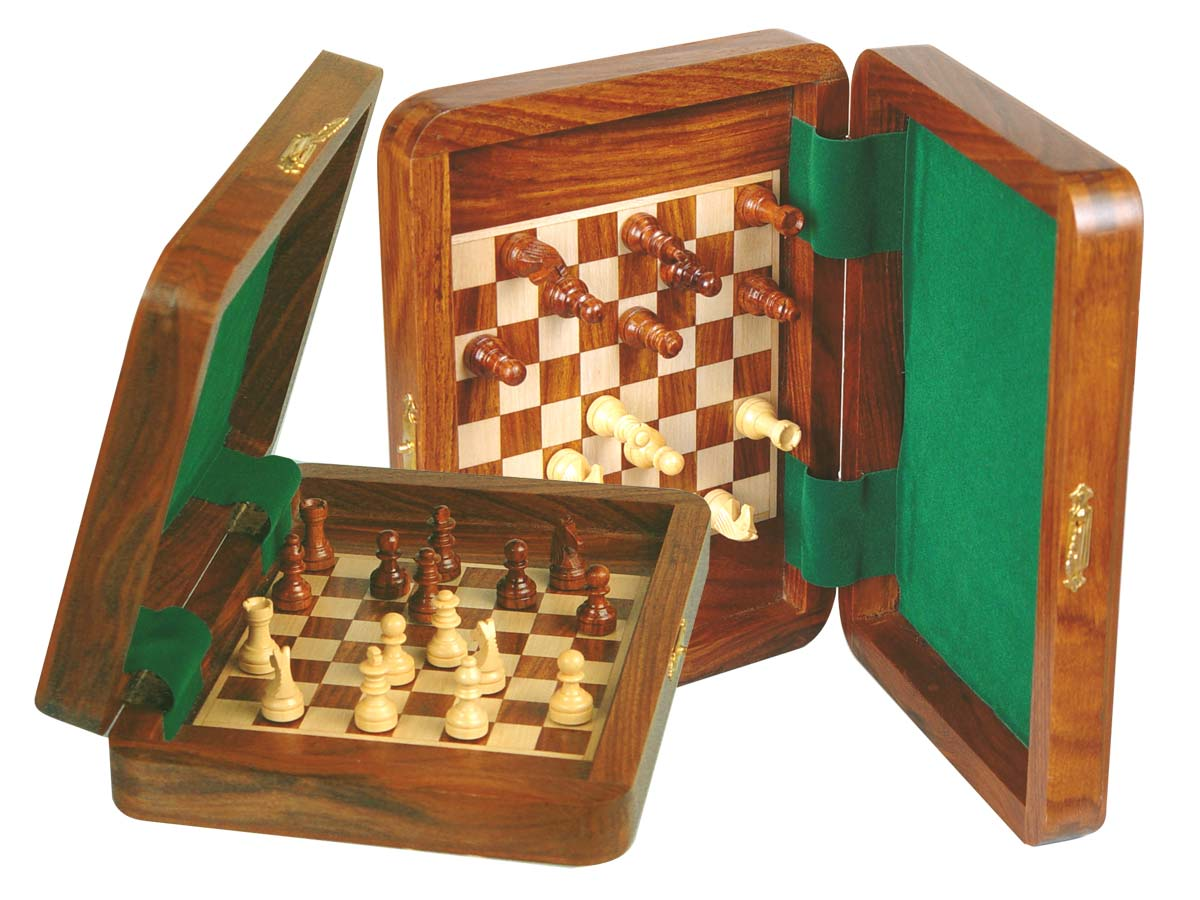"Perfect Board Inside Magnetic Chess Set 8""x6"" and Pieces Golden Rosewood/Maple"