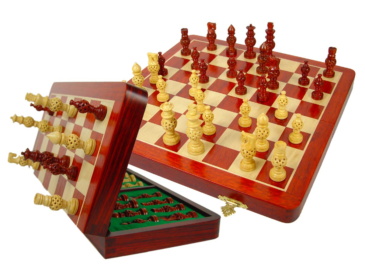 "Magnetic Chess Set Globe Design Artistic Pieces 3"" & Folding Chess Board 14"" Blood Wood/Maple"