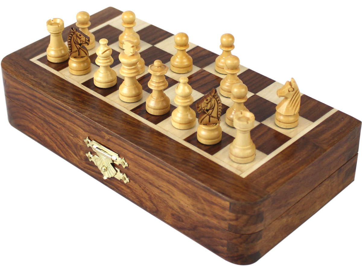Closed travel chess set with pieces