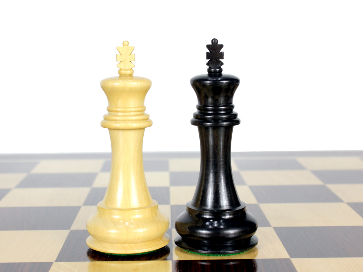 """King height - 4.6"""" (117 mm) Base - 1.9"""" (48 mm)"""