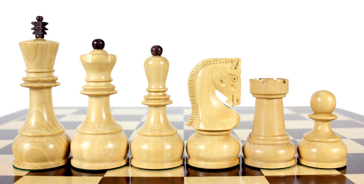 Zagreb Staunton chess pieces in Boxwood
