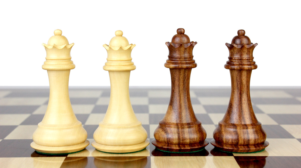 2 extra Queens provided with this set. Total 34 Chess Pieces