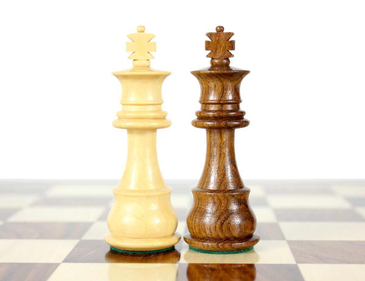 """King height - 3"""" (76 mm) Base - 1.1"""" (28 mm)"""