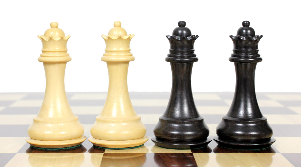 2 extra Queens provided. Total 34 Chess Pieces