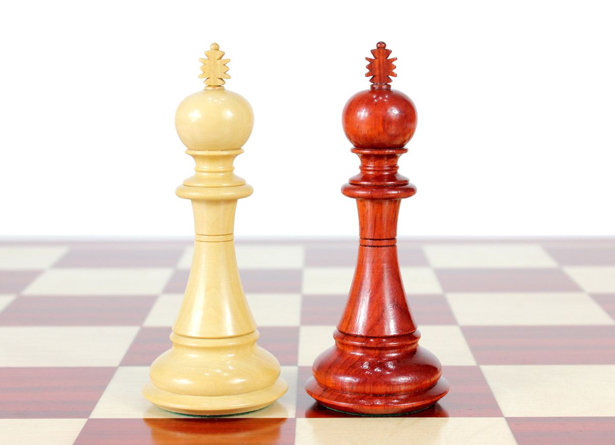 """King height - 4.5"""" (114 mm) Base - 1.9"""" (48 mm)"""