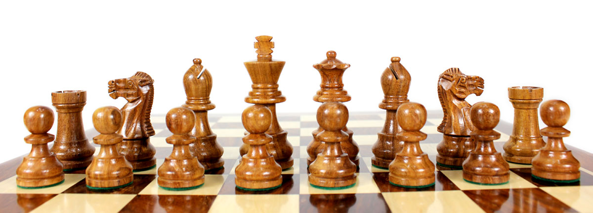 All chess pieces are weighted. Total weight of the chess set is 1.446 lbs (656 grams).
