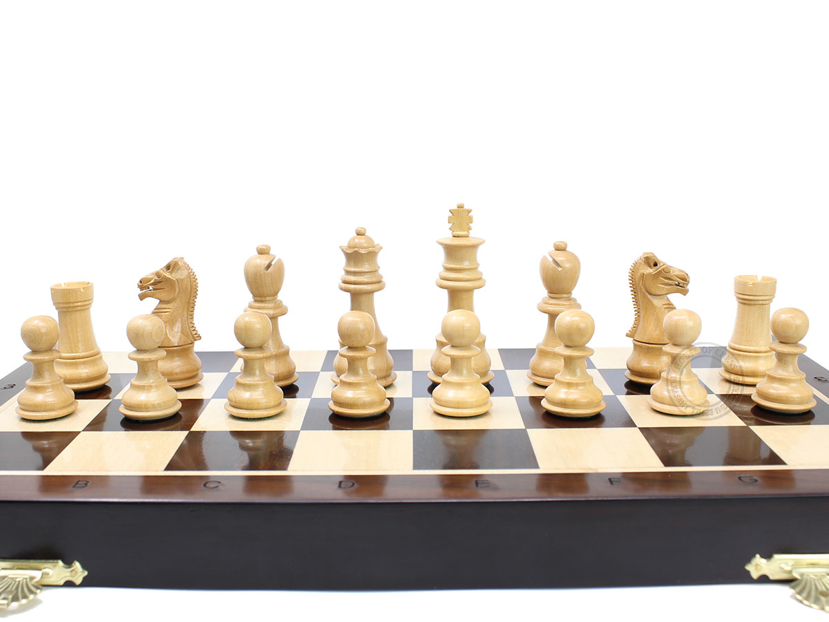 Boxwood Galaxy Staunton chess pieces