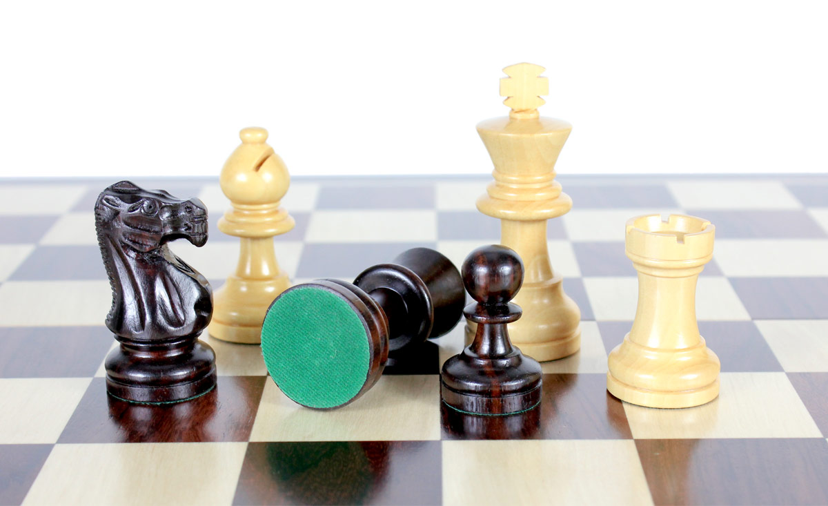 All chess pieces have felted bottom. The weight of the chess set is 4.58 lbs (2.08 kg)