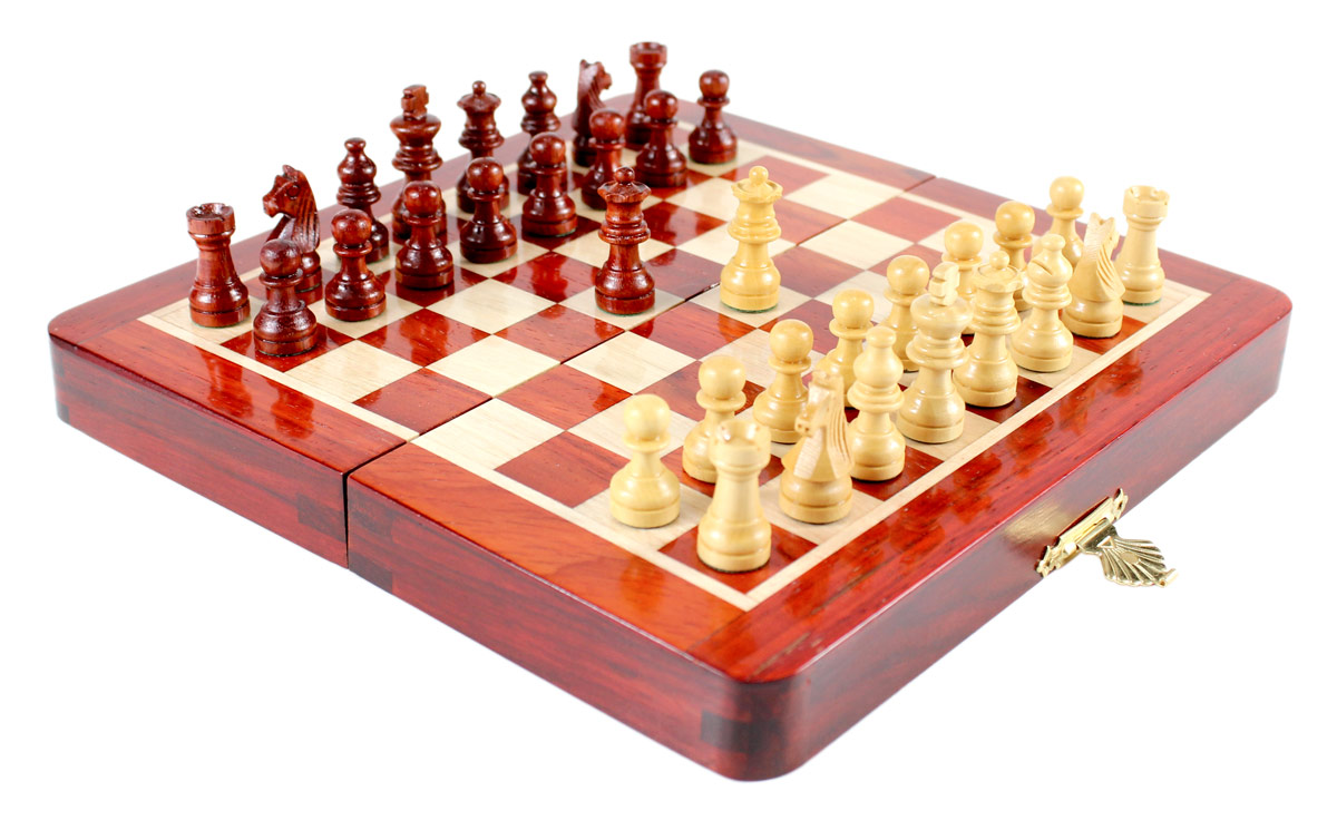 """7.5"""" x 7.5"""" Folding chess board ideal for travelling purpose. King Height - 1.25"""" (32mm) King Base - 0.49"""" (12mm)"""