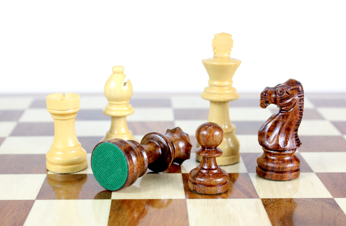 All chess pieces have felted bottom. The weight of the chess set is 2.45 lbs (1.1 kg)