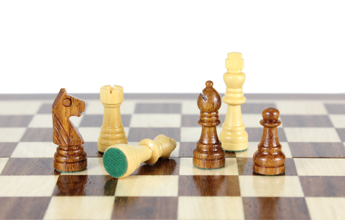 All chess pieces have felted bottom.  The weight of the chess set is 0.837 lbs (380 grams)