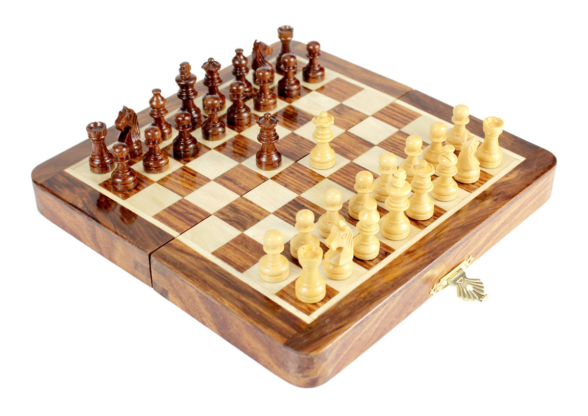 "7.5"" Folding chess board ideal for travelling purpose. King Height - 1.25"" (32mm) King Base - 0.49"" (12mm)"