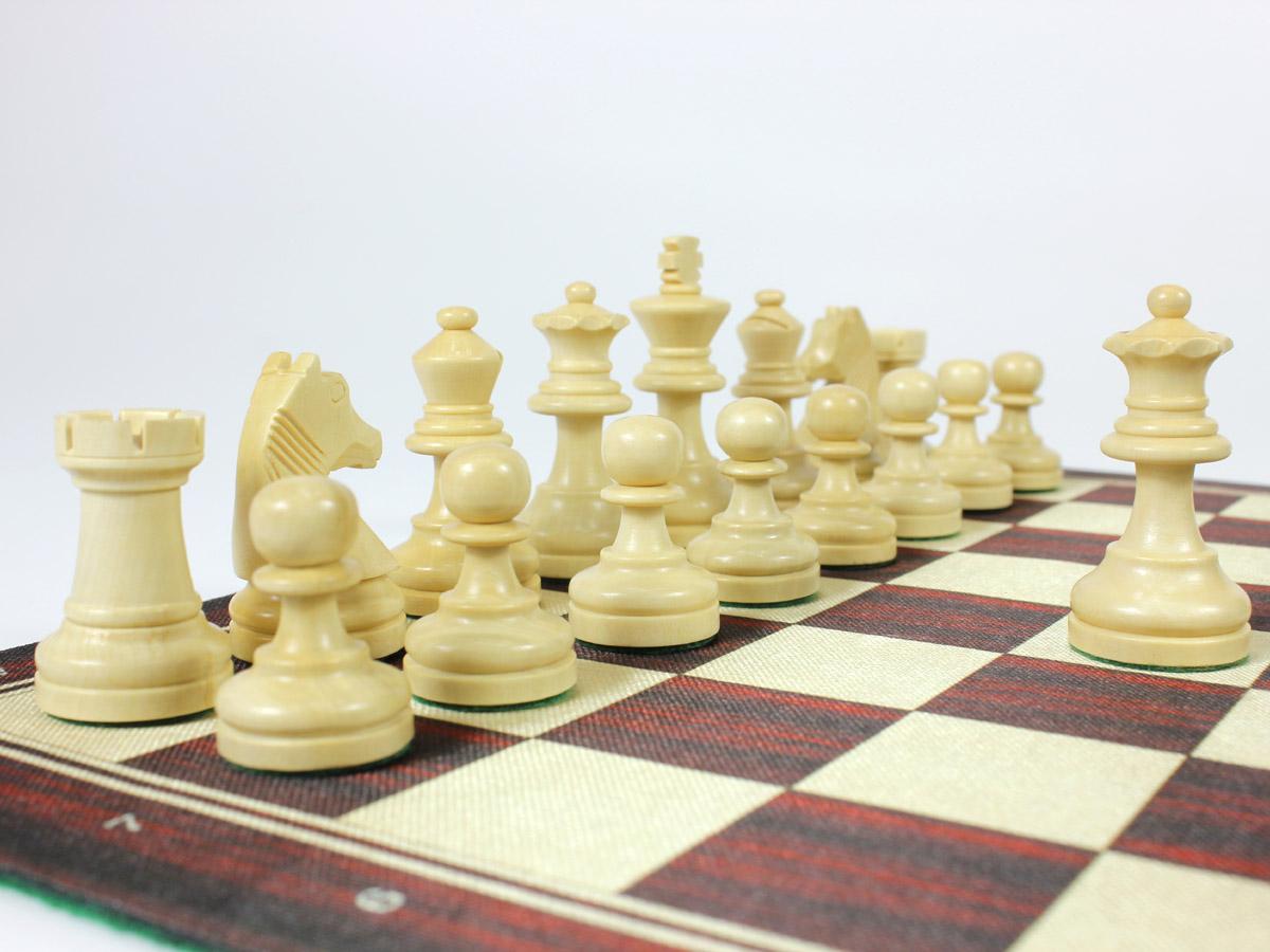 Boxwood Louis staunton chess pieces