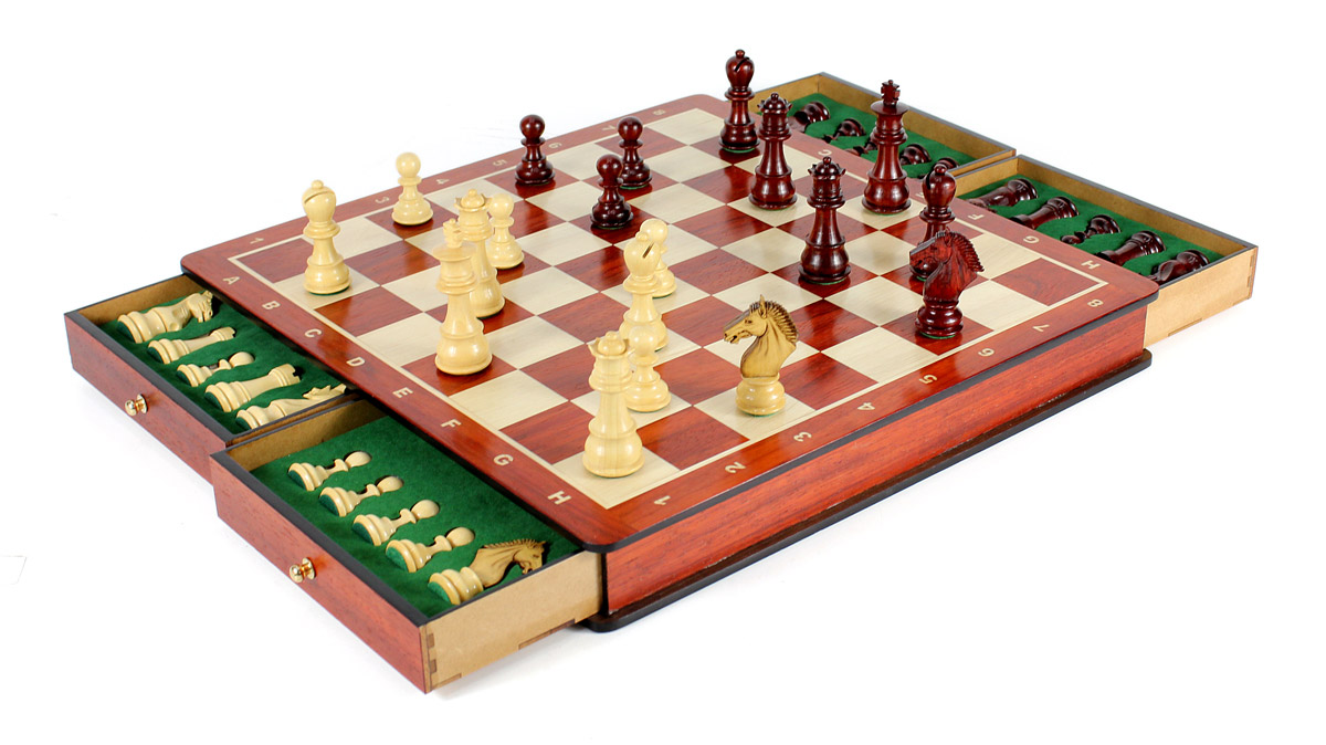 "Beautiful Chess Board with matching 3"" Bud Rosewood / Boxwood Galaxy Staunton chess pieces"