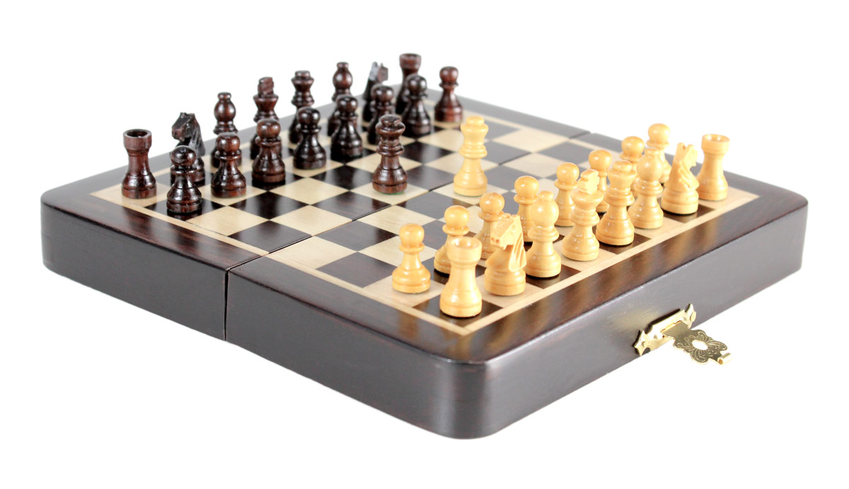 """5"""" x 5"""" Folding chess board ideal for travelling purpose. King Height - 0.78"""" (20mm) King Base - 0.31"""" (8mm)"""