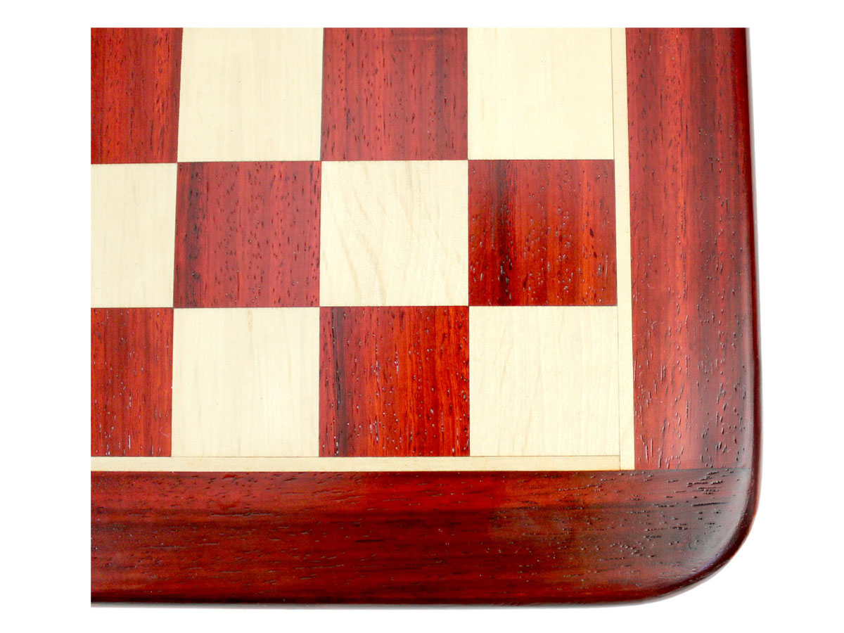 Displaying the Rounded Corner of Chess Board